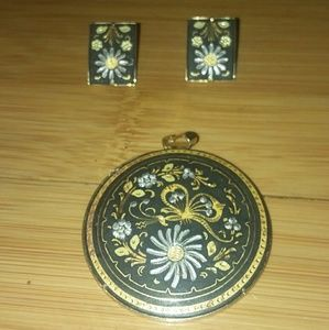Jewelry - Earing and pendant necklace matching no chain